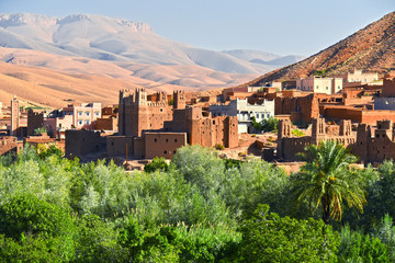 Photo sur Plexiglas Maroc Old berber architecture near the city of Tamellalt, Morocco