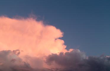 Foto op Plexiglas Hemel beautiful sky with clouds in the evening
