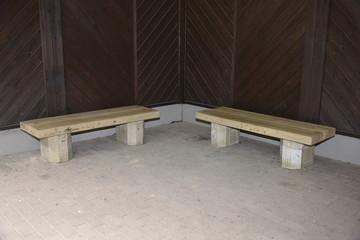 二つのベンチ