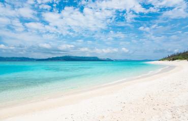 Cobalt blue of the sea and the sky, Minnajima Island, okinawa, japan / 沖縄水納島ビーチ コバルトブルーの海と空