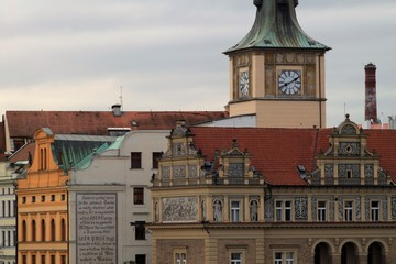 Prager Blickwinkel / Blick von der Karlsbrücke zum Altstädter Wasserwerk mit den Trnka-Mühlen