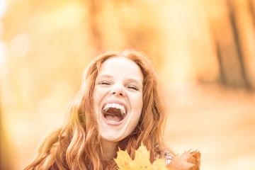 Frau lachende Natur