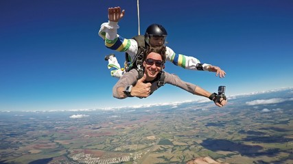 Skydiving tandem friends all right