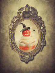 Gilt Frame With Halloween Cupcake