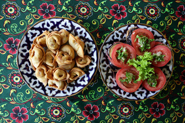 Uzbek fried dumplings with vegetables