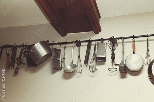 ancienne batterie d 39 instruments de cuisine imagens e fotos de stock royalty free no fotolia. Black Bedroom Furniture Sets. Home Design Ideas