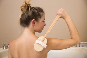 Dry Brushing Back of Shoulder 2