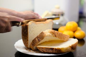 手作りの焼きたて食パン