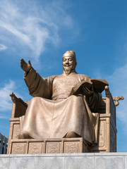 Statue of King Sejong at the Gwanghwamun square (光化門広場 世宗大王像) in Seoul, Korea