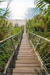 Fototapeta Schody - zejście na plażę - Włochy