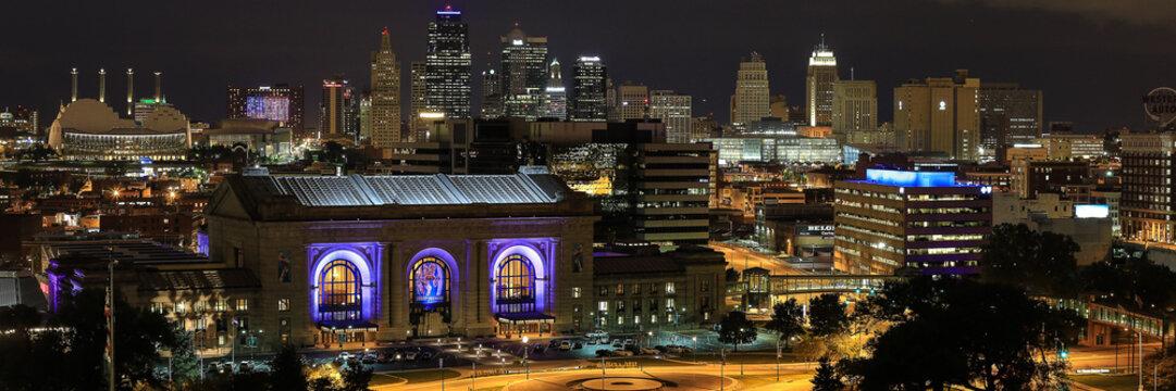 Kansas City Missouri skyline night