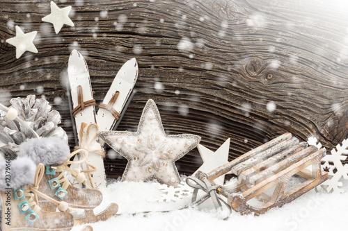 wintersportartikel vor altem holzbrett im schnee deko stock photo and royalty free images on. Black Bedroom Furniture Sets. Home Design Ideas