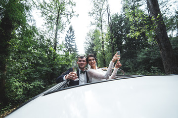 bride and groom traveling
