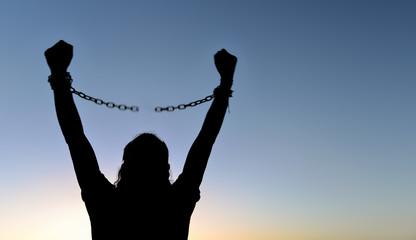 özgürlük & zincirleri koparmak