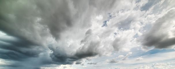 Fotobehang - dark clouds in Sardinia
