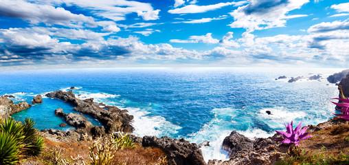 Paisaje idilico isla de Tenerife.Mar y cala.Paisaje marino pintoresco en Islas Canarias.Viajes y aventuras