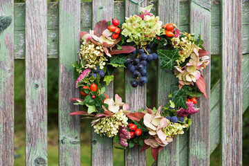 Herbstkranz am Gartentor
