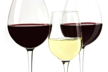 Macro photo of red and white wine glasses