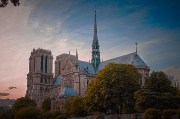 Notre Dame de Paris HDR couleur