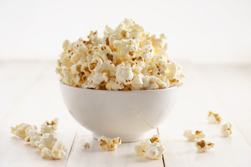 Sweet caramel popcorn in a bowl