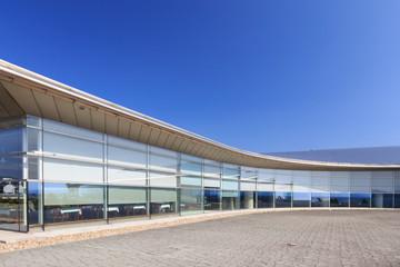 島根県立美術館 -宍道湖と調和する夕日鑑賞スポット-