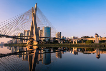 Zelfklevend Fotobehang Brug Octavio Frias de Oliveira Bridge in Sao Paulo is the Landmark of the City