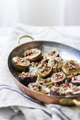 Za'atar, honey with figs