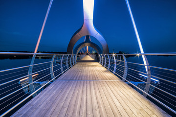 Photo sur Aluminium Pont Solvesborg bridge perspective in evening lights