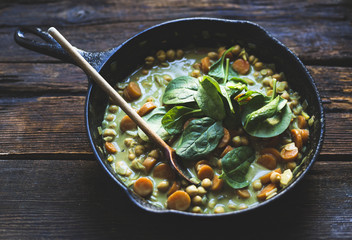 Coconut curried chickpeas with carrots & cashews Gluten-free, ve