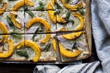 Pumpkin sage flatbread (gluten-free)