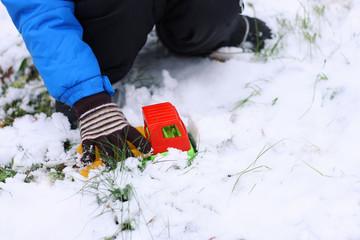 Children's games in the winter.