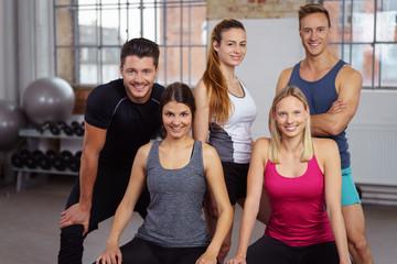 sportliches team im studio
