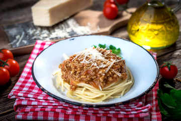 Spaghetti with bolognese sauce and parmesan