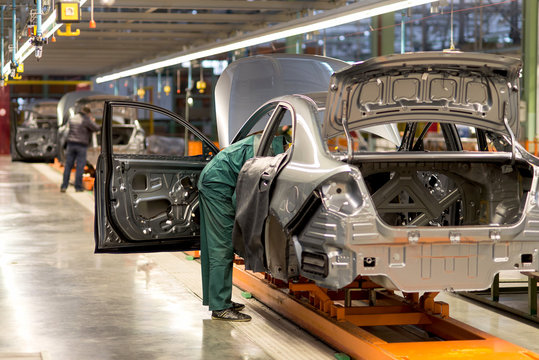 The production line for the assembly of new vehicles