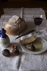 Bread, olive oil, figs and wine