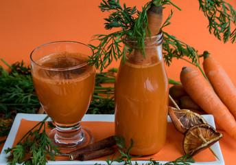 Frisch gepresster Karottensaft