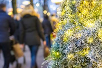 Weihnachtseinkauf in der Fussgängerzone
