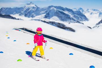 Child in ski school