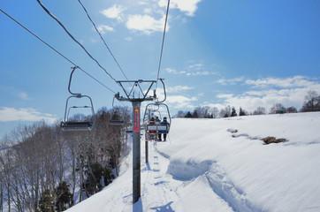 冬晴れのスキー場