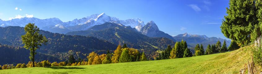 Wall Mural - Herbstliche Natur in Oberbayern bei Garmisch-Partenkirchen