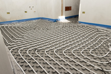 System floor radiant with polyethylene pipes