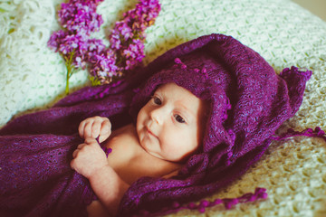 father photographs his wonderful little baby