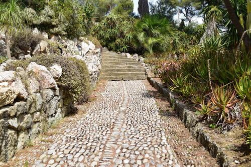 """mediterraner steingarten"""" stockfotos und lizenzfreie bilder auf,"""