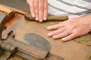Production of handmade cigars