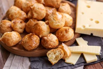 Foto op Canvas Voorgerecht gougères au fromage 3