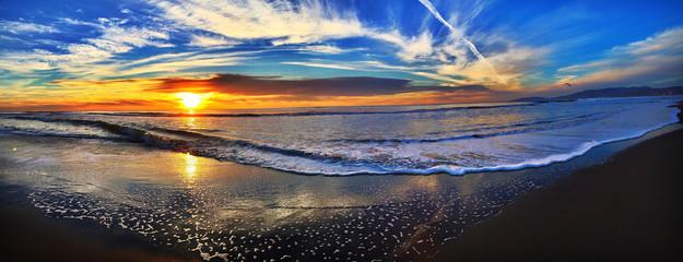 Fototapeta Happy sunset should enjoy everyday make that  obraz
