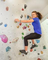 fröhliches Workout in der Boulderhalle