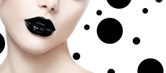 Foto auf Leinwand Fashion Lips Beauty fashion model girl face with black makeup