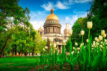 View of Isaac cathedral in spring in Saint Petersburg, Russia. Fototapete