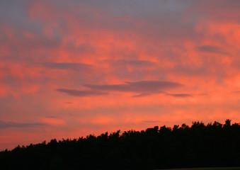 Photo sur Aluminium UFO Sonnenuntergang mit Wolken